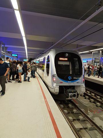 Estación Zazpikaleak/Casco Viejo de Metro Bilbao