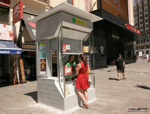 Fabrication de rideaux sur mesure pour kiosques et abribus
